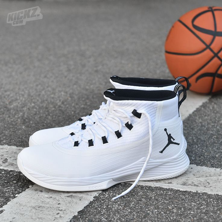 25+ best ideas about Jordans basketball shoes on Pinterest ...