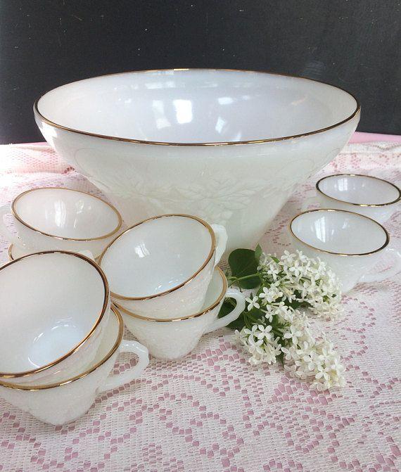 Beautiful Vintage Anchor Hocking Milk Glass Punch Bowl Set