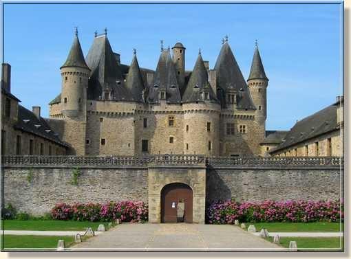 Chateau de Jumilhac situé sur la commune de Jumilhac-le-Grand dans le département de la Dordogne, en région Aquitaine.