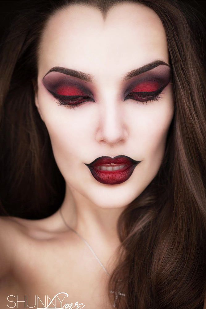 Halloween Ideas 2019 Makeup.30 Glam And Sexy Vampire Makeup Ideas 2019 Makeup Witch