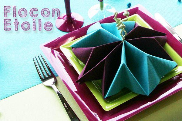 Pliage de serviette en forme d'étoile ou de flocon