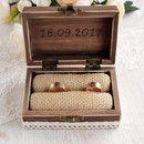HINWEIS: Bitte bei der Bestellung schreiben Sie mich anmerken, was würden Sie graviert werden gerne - Ihre Initialen und das Datum der Hochzeit! **** Das kleine, rustikale Ring-Box ist aus...