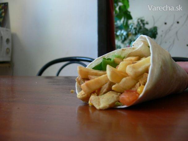 Môj osvedčený recept na tortilly. Šalátový list, kuracie mäsko, zelenina a hranolky, dokonalý pokrm máme na svete :) Jednoduché, rýchle a neskutočne chutné jedlo, odporúčam vyskúšať :)