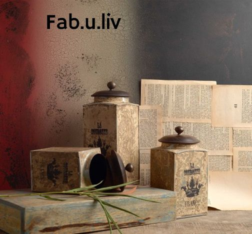 Stylish and adorable, Set of 3 vintage boxs will be the crowning glory if you have a liking for all things classical. Available in a superb white antique finish, these boxes strike the right chord with any interior décor. Featuring an awesome Vintage label, these boxes are perfect for decor -- https://goo.gl/9NHWlE