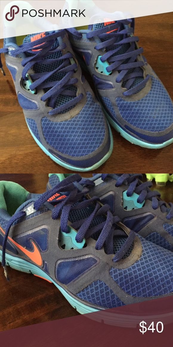 Nike Lunarglide 2 WMNS6 7/10 Used Nike Lunarglide 2. WOMENS 6. Has some scuffs and marks, but it GREAT condition. Will be like new if washed once. 7/10 Nike Shoes Athletic Shoes
