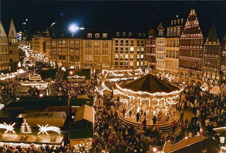 Platz 3: Weihnachtsmarkt Frankfurt   Wen es in der Vorweihnachtszeit eher in den Süden Deutschlands zieht, sollte auch dem Frankfurter Weihnachtsmarkt in der historischen Innenstadt einen Besuch abstatten.