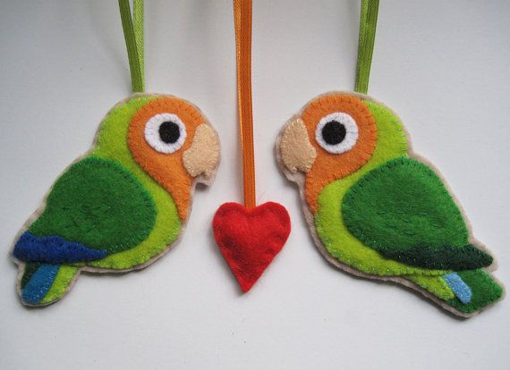 2 PeachFaced Lovebirds felt ornaments by FreaksOnCanvas on Etsy, €26.00