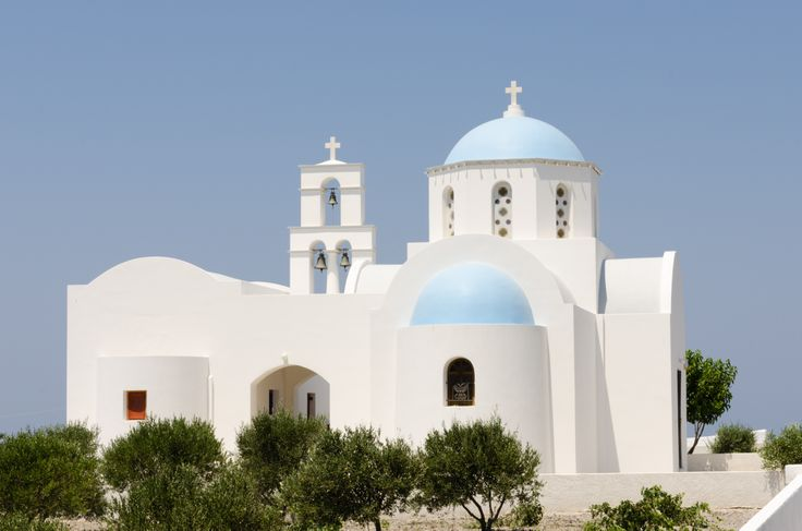 Cycladic architecture churches and chapels of megalochory add to the traditional character of the village.