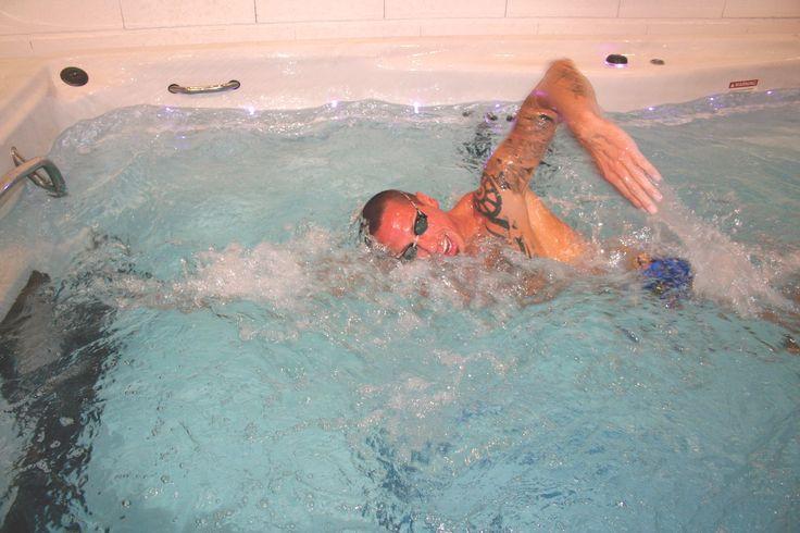 Démonstration #fitness Frédérick Bousquet  Inauguration Centre d'innovation commerciale et d'expérience client  http://groupe.irrijardin.fr/societe-irrijardin/evenements/irrijardin-inaugure-le-19-septembre-la-mise-en-place-de-son-concept-store-sur-le-magasin-de-noe-pres-de-toulouse.html #irrijardin #piscine #natation #aquafitness