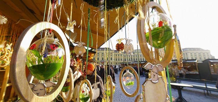 Easter market in Schoenbrunn