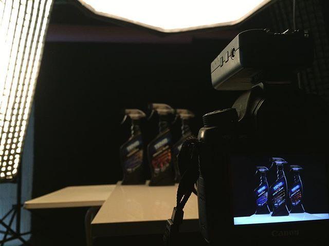 Sporo sesji produktowych ostatnio  #backstage #productphotography #zakulisami #fotografiaproduktowa #zdjeciaproduktowe #poznan