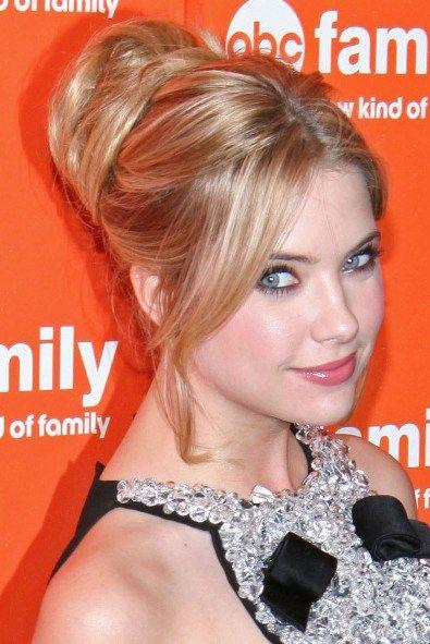 Mozz Hairsyles: Ashley Benson Prom Hairstyles