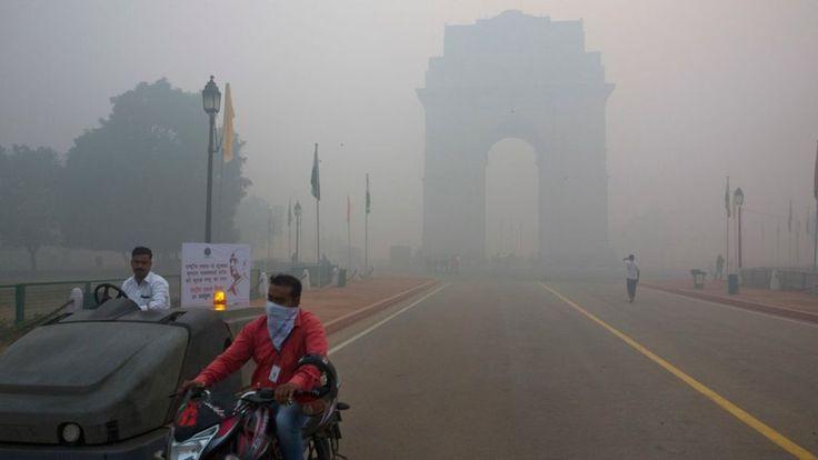 Diwali fireworks choke Delhi, angering Indians - BBC News