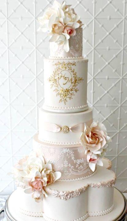 Featured Cake: Faye Cahill Cake Design; Wedding cake idea.