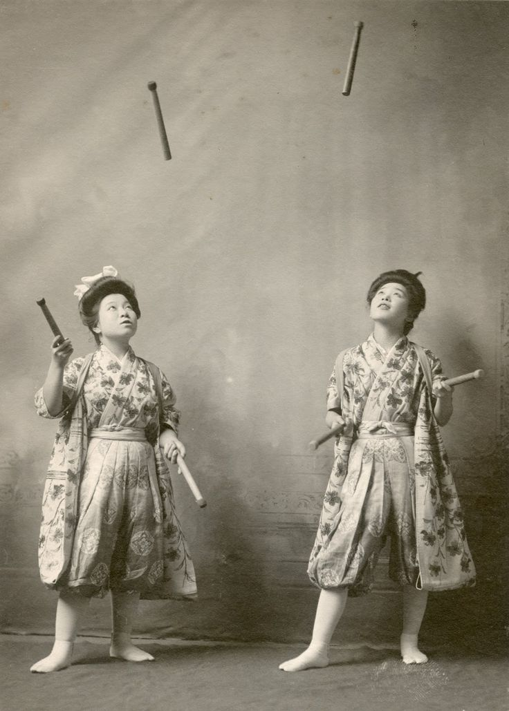 Yuka Tsusaka and Otomi Nakano perform in South Bend, Indiana, 1908