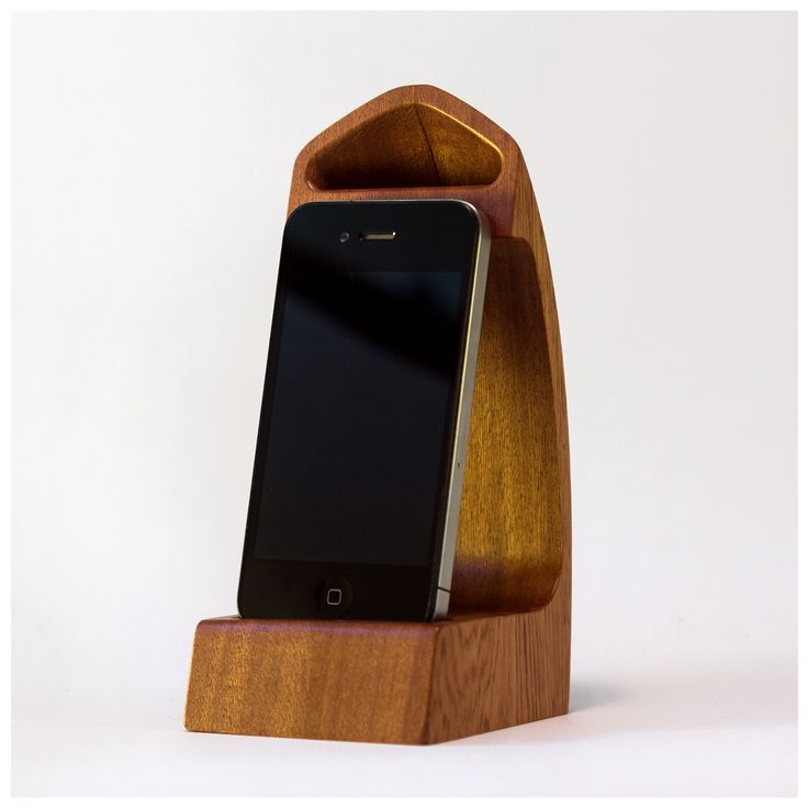 Scaleno is an iPhone docking station made entirely out of wood using a unique technology. Scaleno is shaped to passively amplify the audio coming out of the integrated speaker and to redirect it towards you. Scaleno is also designed to allow the original charging cable to be connected while listening to your favorite music.