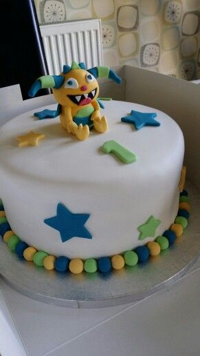 Henry hugglemonster birthday cake