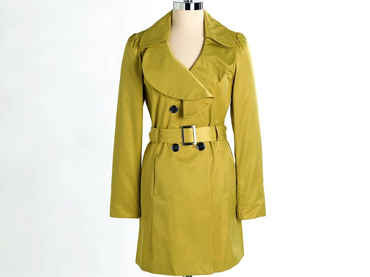 I LOVE ecouterre.com. A raincoat that's super chic and eco-friendly.