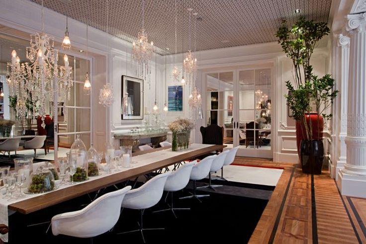 Sala de jantar criada pela arquiteta e designer de interiores Paola Ribeiro.  Casa Cor Rio