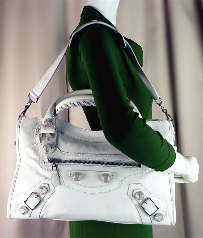 Balenciaga Giant City White Color With Silver Stud Good Condition Ref.code-(KTSE-2) More Information Pls Email  (- luxuryvintagekl@ gmail.com )