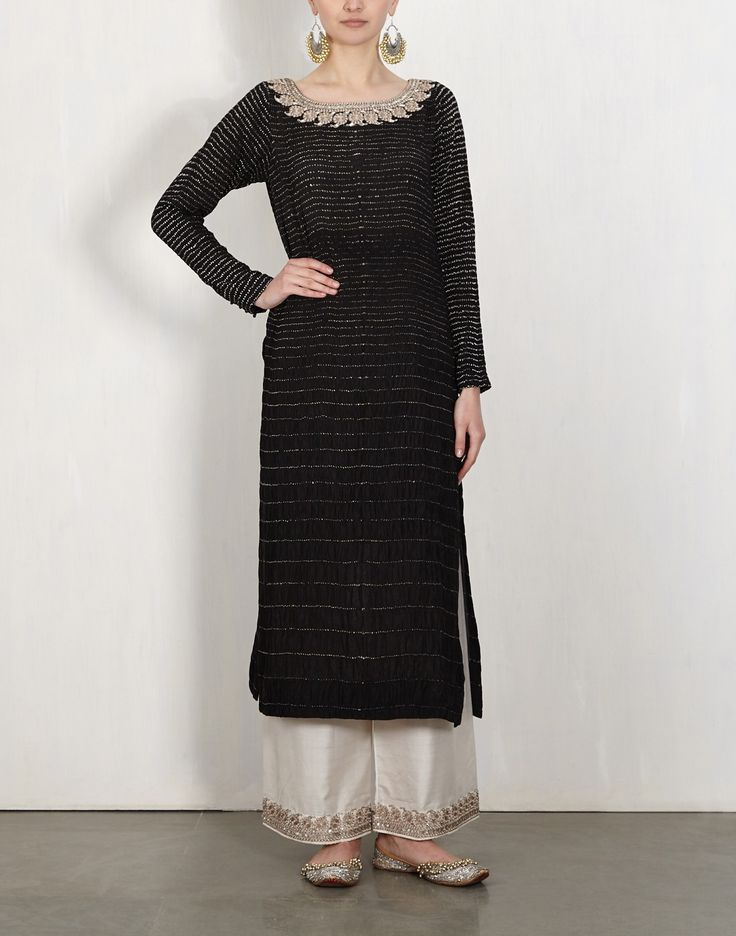Black Bandhini Kurta With Embroidered Pants-Lajjoo C