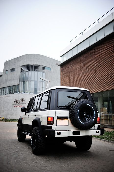 48 best images about pajero on pinterest cars the roof for Garage hyundai 92