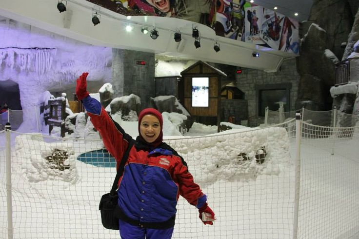 Qual Exe Dir Dian Endryana siap main ski #dBCNinDubai #OriflameGC2013