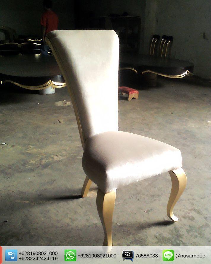 Louis #DiningChairs with White Fabric Shintawati BBM : 7658A033 Call WA : 6281908021000 Inquiry : info@nusateak.com Website : nusateak.com #NusaTeak #Mebel #Meuble #FurnitureJepara #FurnitureIndonesia #FrenchFurniture #VintageFurniture #HomeFurniture #HomeInterior #HomeDecor #LouisChairs #FrenchChairs #MahoganyChairs #FurnitureDesign #Etsy #MinimalistChairs #FurnitureMaker