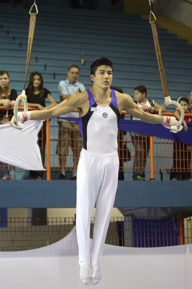 Arthur Mariano - atleta da Seleção Brasileira de Ginástica Artística