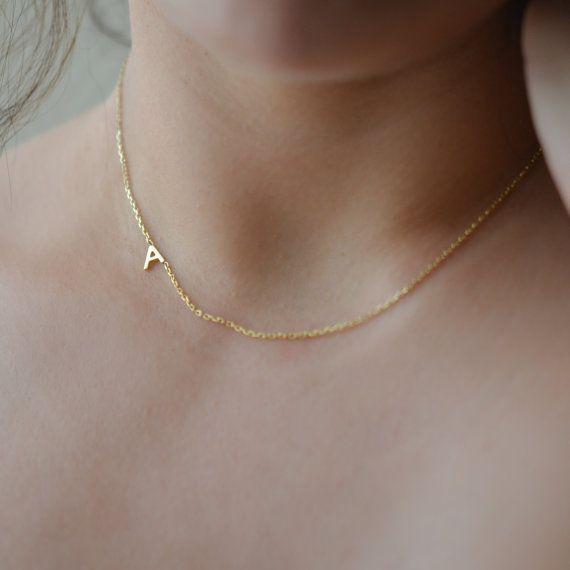 Seitwärts erste Halskette / Buchstabe Halskette, Gold, Silber oder Rose Gold / Seite erste Halskette / Brautjungfer Halsketten