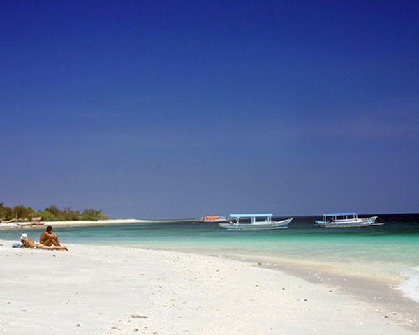Las 5 mejores playas paradisíacas para tu viaje de novios #boda #viajedenovios #lunademiel