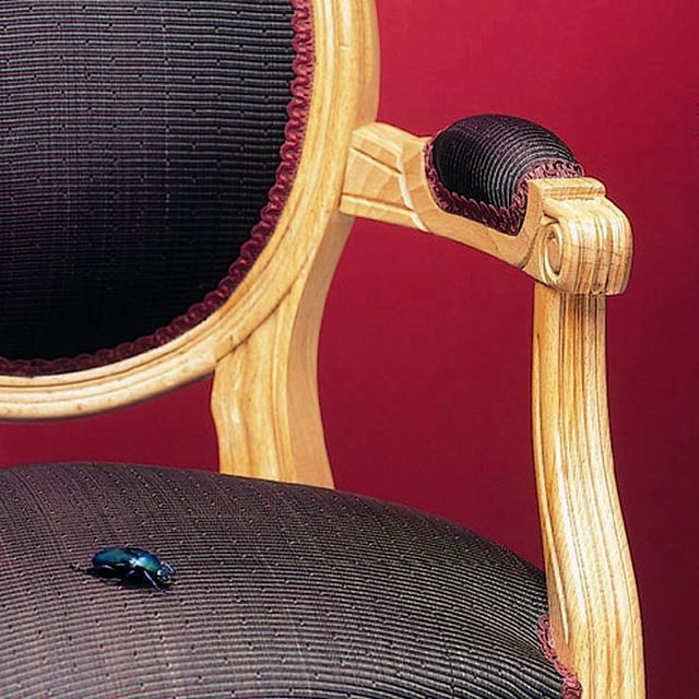 We love the horsehair fabric on this timeless armchair! #horsehair #lecrin #creationsmetaphores