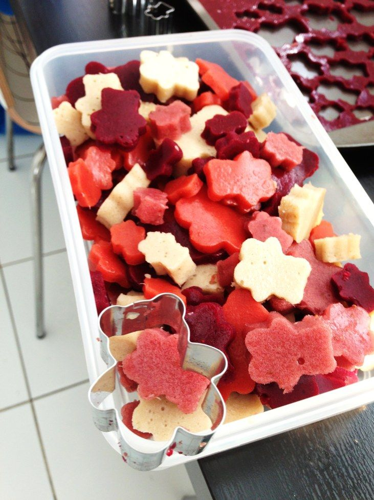 Homemade fruit snacks since I don't like the roll up recipe I have
