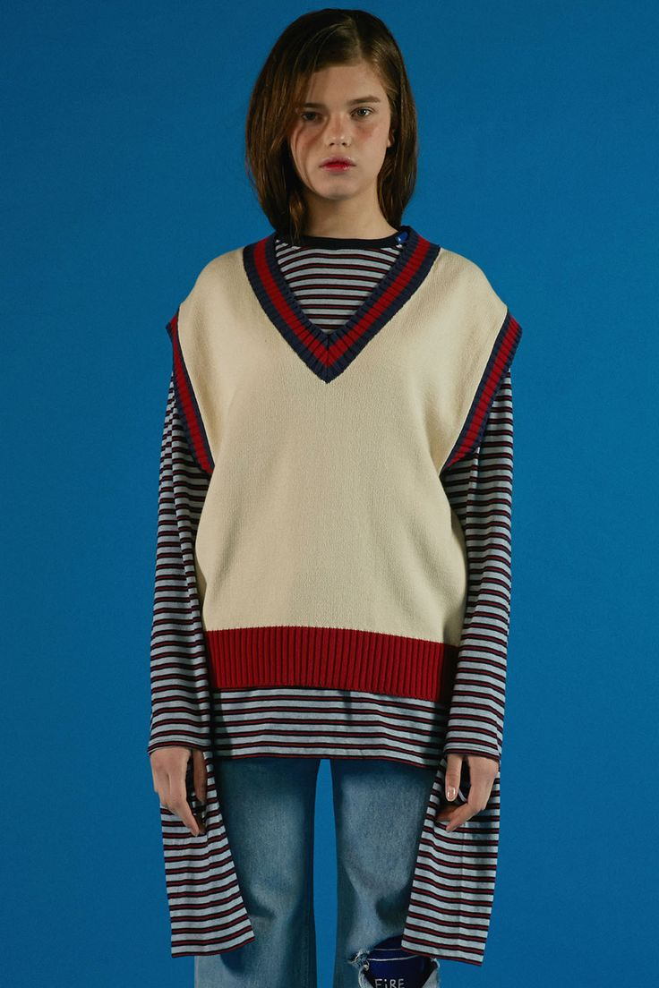Red&ivory V-neck knit vest styling www.adererror.com #ader#fashion#brand#wit#mixmatch#styling#editorial#lookbook#image#photo#photography