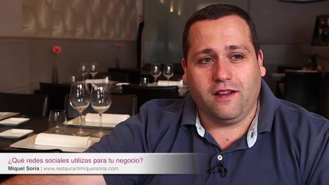 Entrevista a Miquel Soria by Lluís Camell.   Os quiero presentar a Miquel Soria, propietario y cocinero del restaurante que lleva su mismo nombre.    Hace un tiempo que le sigo en twitter y creo que es un claro ejemplo de lo que puede hacer un empresario para promocionar su empresa de forma natural y sin ser considerado spam