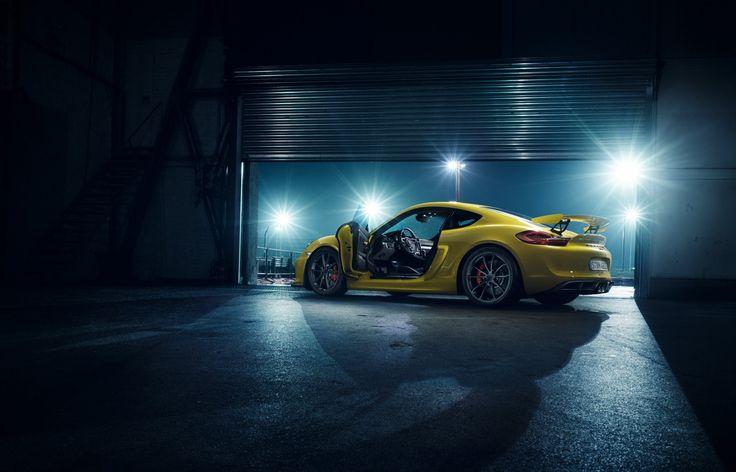 Der neue Cayman GT 4 ist Porsches Tribut an alle Rensportenthusiasten. Rebels, race on.