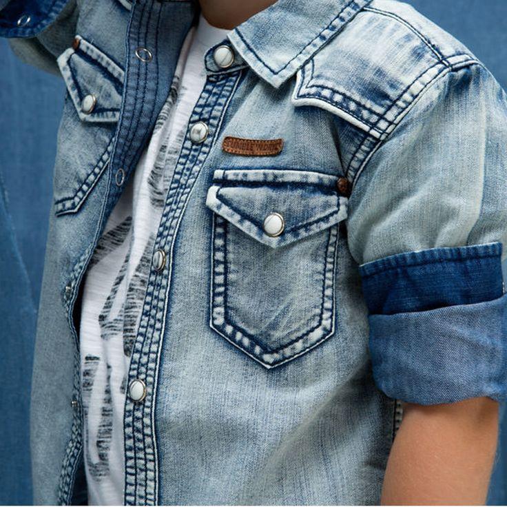 We love denim! Deze denim blouse van Tumble 'N Dry is dan ook one of our favorites.