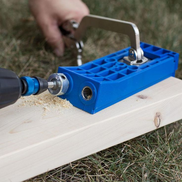 If you are framing walls, building deck railings, outdoor furniture, or any other large project, you always want the strongest joint possible; and this is where the Kreg Jig® HD excels—strength.