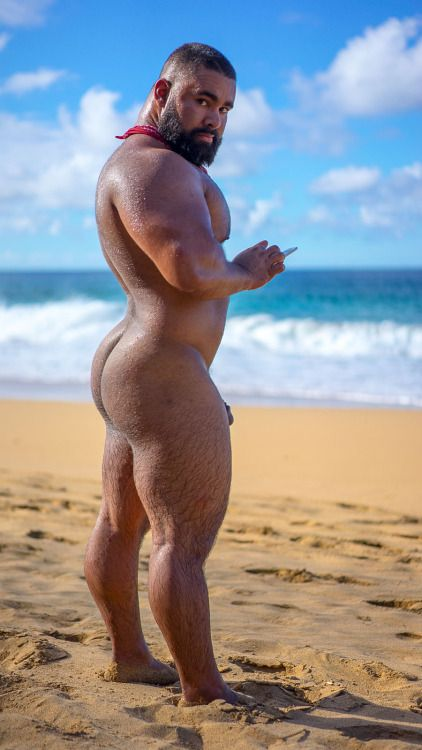 girls nude preg outside