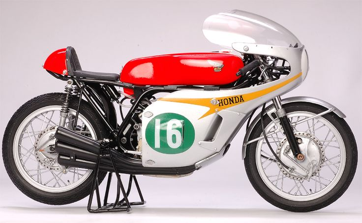 Honda's RC166 Had More than Met the Eye. Fascinating engineering article.