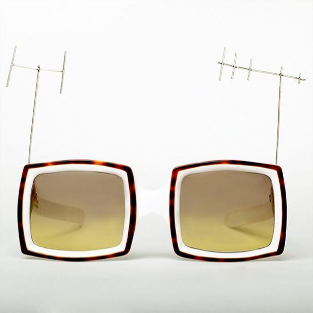 Telly Goggles, Oliver Goldsmith
