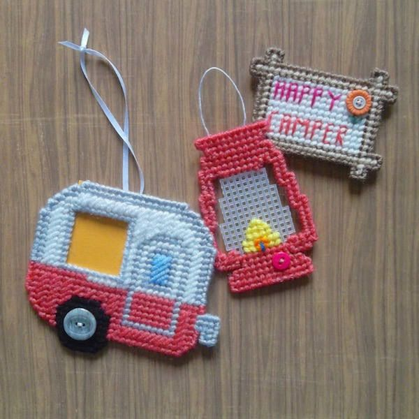 """Plastic Canvas: Happy Camper Set, """"Flamingo"""" (set of 3 -- camper photo frame ornament, """"Happy Camper"""" magnet and lantern ornament) by ReadySetSewbyEvie on Etsy"""