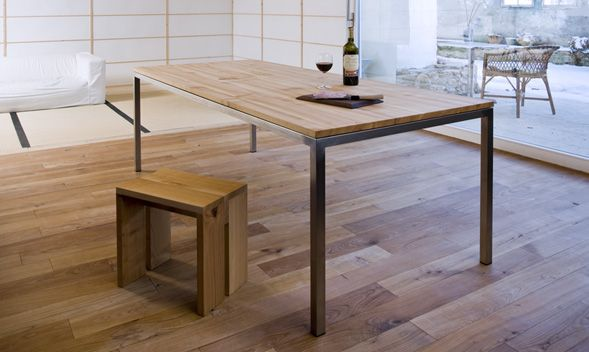Tisch Auf Mass In Der Schweiz Hergestelllt Tischgestell Aus Metall Mit Massivholztischplatte Esstisch Holz Metall Esstisch Metallbeine Esstisch Holz