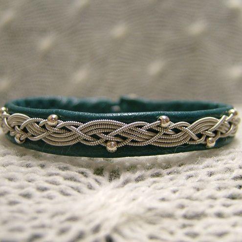 Sami bracelet--link is broken. But this is so pretty!