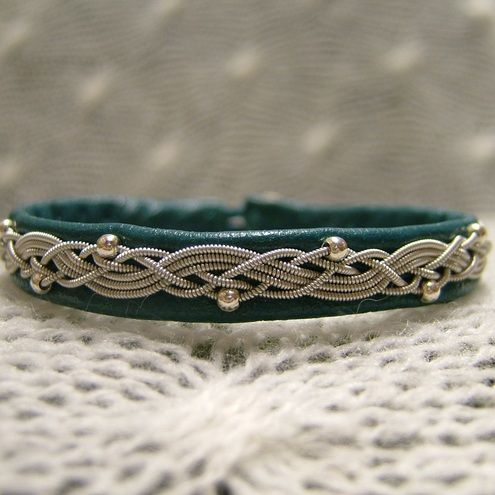 Sami bracelet--link is broken. But this is so pretty!