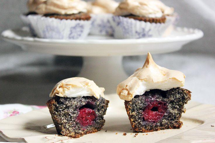 Meggyes - mákos süti habtetővel sütemény recept képpel, pontos hozzávalókkal és elkészítési leírással. Kipróbált Muffin, Összes recept, biztos siker.