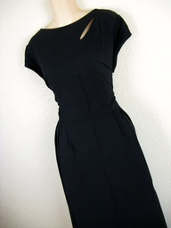 dress your truth type 4 colors | 1950's black cocktail dress.