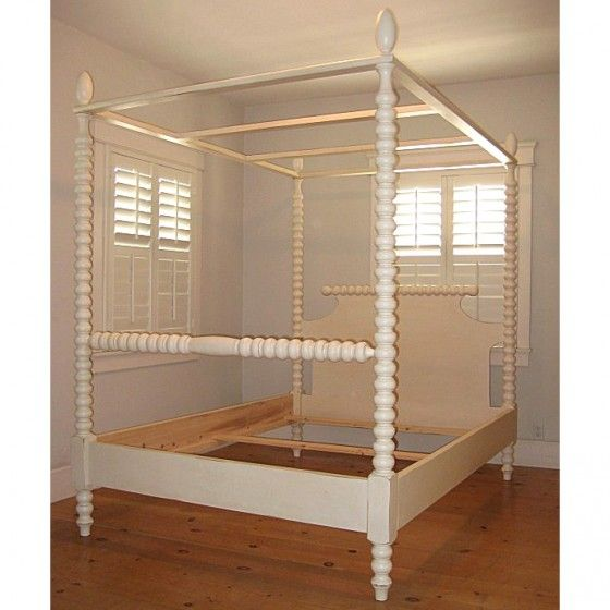 Gwendoline Spindle Canopy Bed
