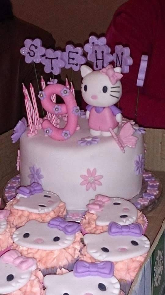 HELLO KITTY MINI CAKE & CUPCAKES For more information & orders email sweetartbfn@gmail.com or call 0712127786 (Classes available in the Bloemfontein region.  For more information email sweetartclasses@gmail.com)
