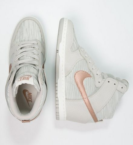 Nike Sportswear DUNK SKY Trampki na koturnie wysokie light bone/metallic red bronze/sand